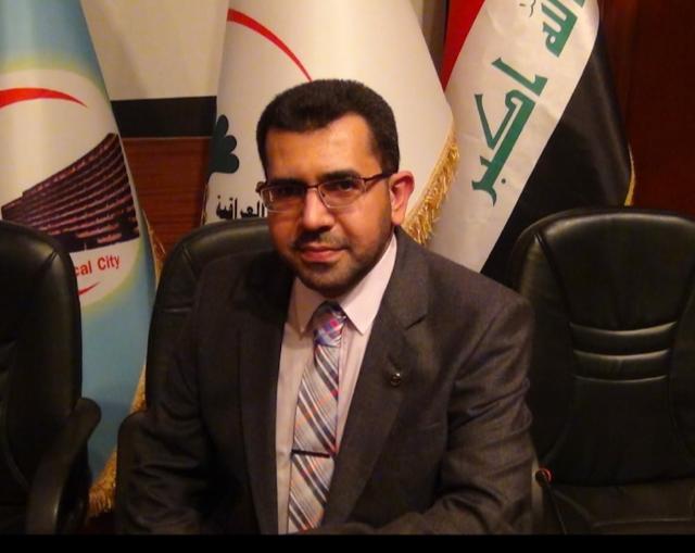 تدريسي في كلية طب الأسنان جامعة بغداد يحصل على جائزة أفضل أطروحة دكتوراه.