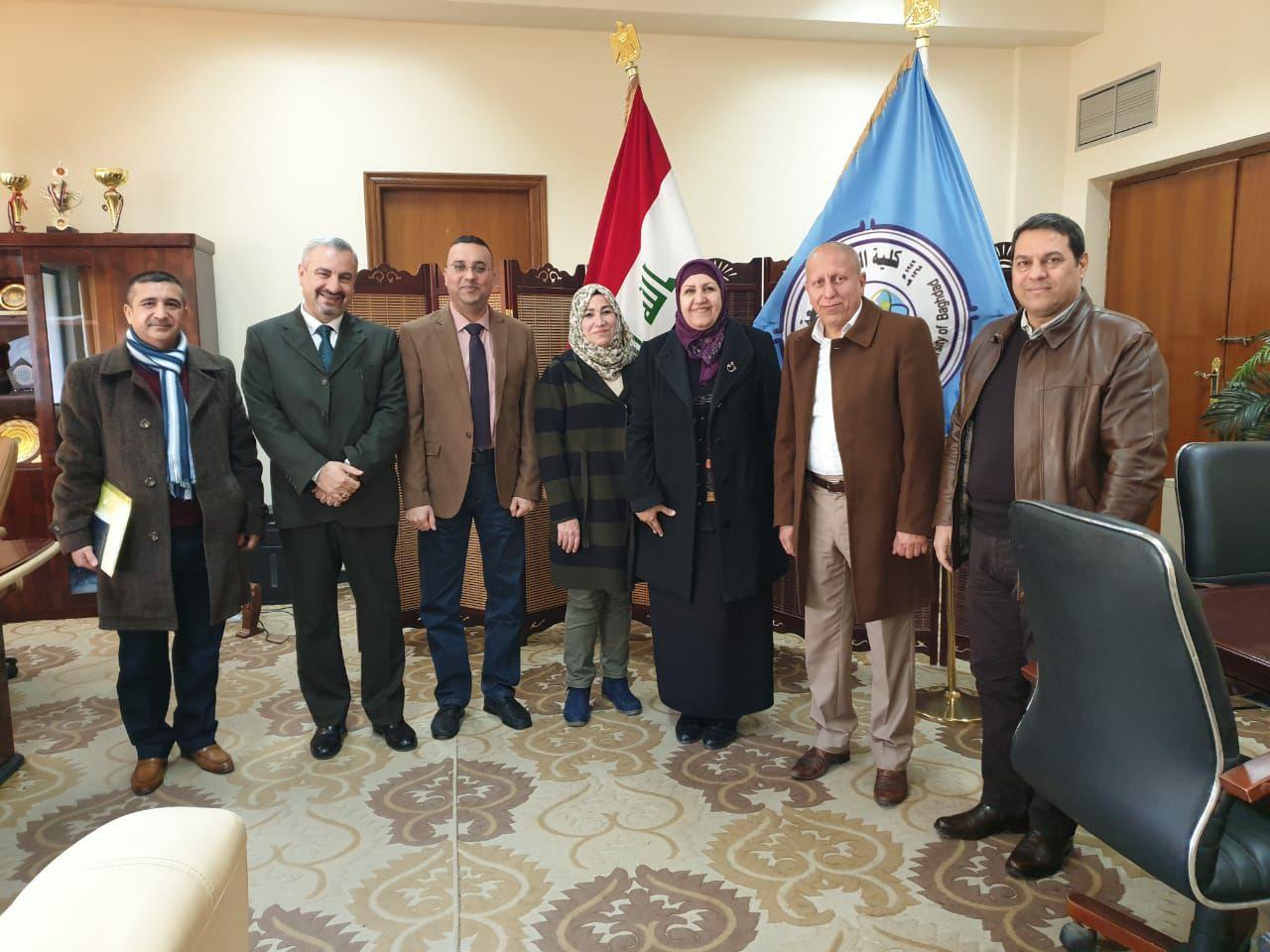 مدير قسم الاعلام والعلاقات العامة في رئاسة جامعة بغداد يزور كلية العلوم
