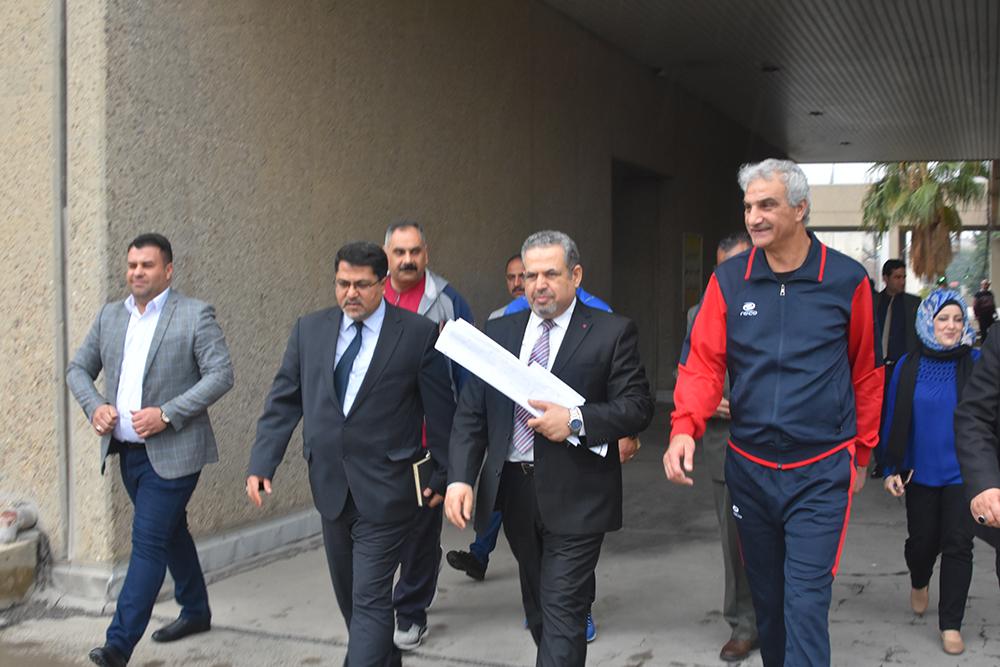 المساعد الإداري لرئاسة جامعة بغداد يتفقد كلية التربية البدنية وعلوم الرياضة