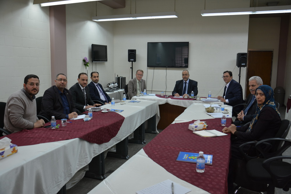 رئيس جامعة بغداد يزور مركز الحاسبة الالكترونية