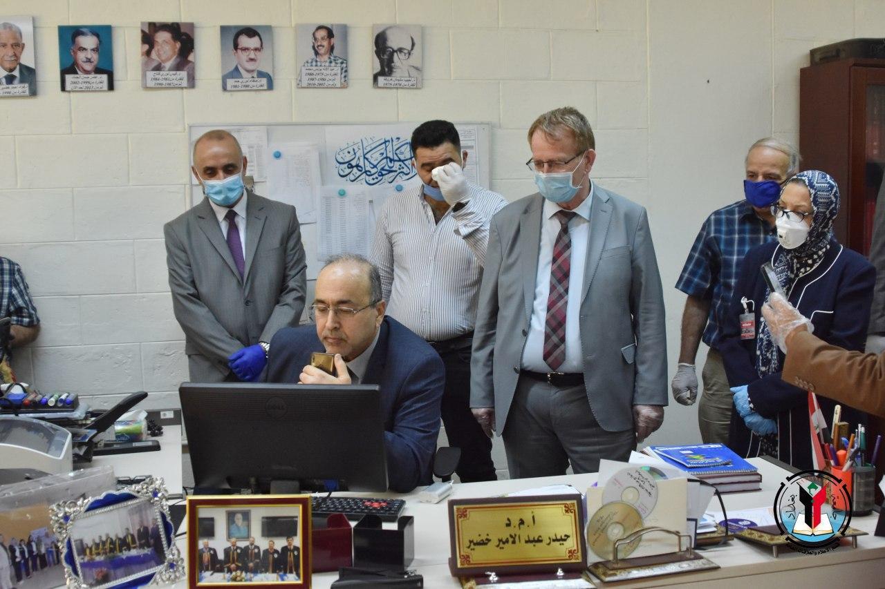 رئيس جامعة بغداد يتفقد المراكز الامتحانية الالكترونية لكليات الهندسة والهندسة الخوارزمي ومركز التخطيط الحضري