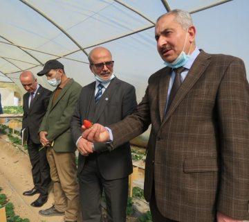 رئيس جامعة بغداد في زيارة لكلية علوم الهندسة الزراعية